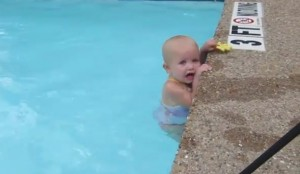16 month old Baby Elizabeth swims the length of the pool