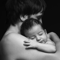 Study Shows Some Fathers Feel Inadequate When Mothers Breastfeed