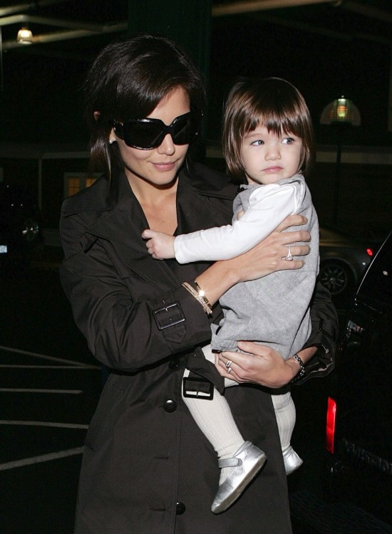 Katie and Suri Leaving their NYC Hotel October 20th, 2007