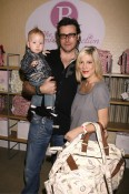 Tori Spelling, Dean McDermott and liam