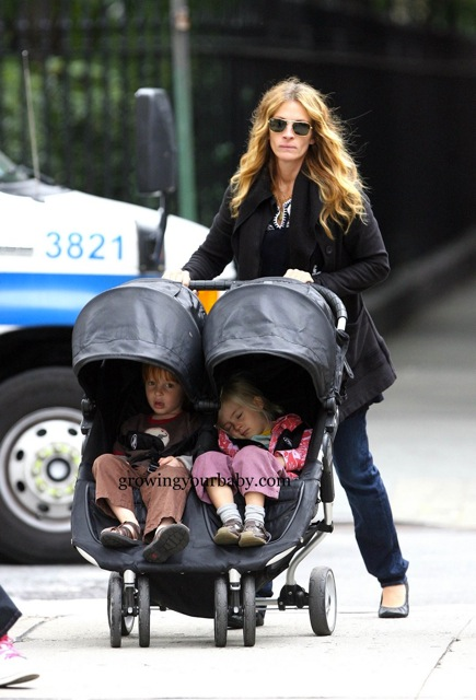 Julia Roberts Takes Her Twins For A Stroll In Nyc