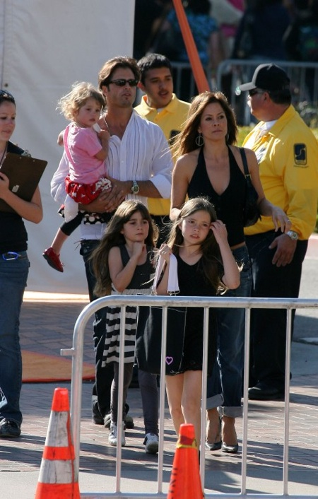 Brooke Burke and David Charvet arrive at Kids Choice awards with their family