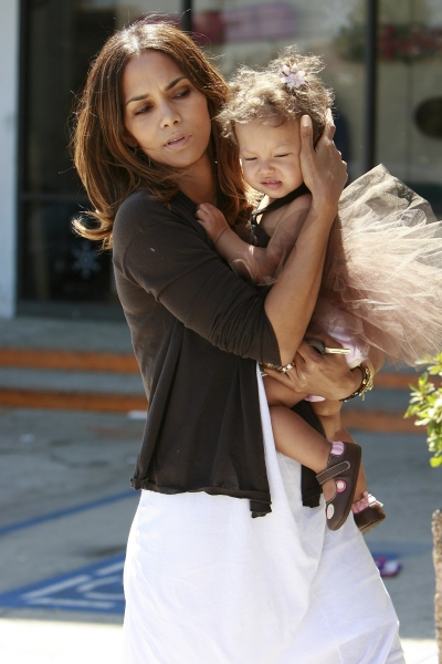 Halle Berry takes her little ballerina, Nahla Ariela Aubry, to a birthday