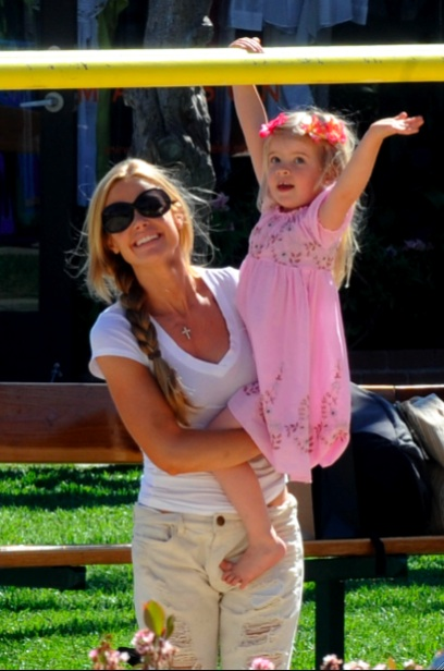 Denise Richards with daughter Lola at the park
