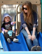 Isla Fisher & her daughter Olive Cohen play at the park