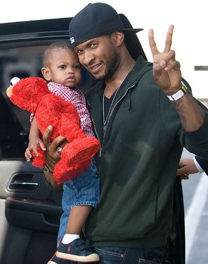 Usher Raymond V Is Lovin His Elmo