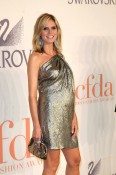 Heidi Klum Gorgeous In Gold At 2009 CFDA Awards