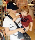 Christina Augilera shops with son Max Bratman