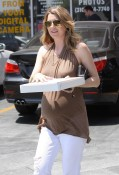 Ellen Pompeo Eats Pizza for Two