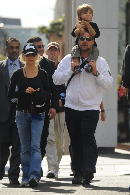 Danielle Spencer and Russell Crowe with son Tennyson