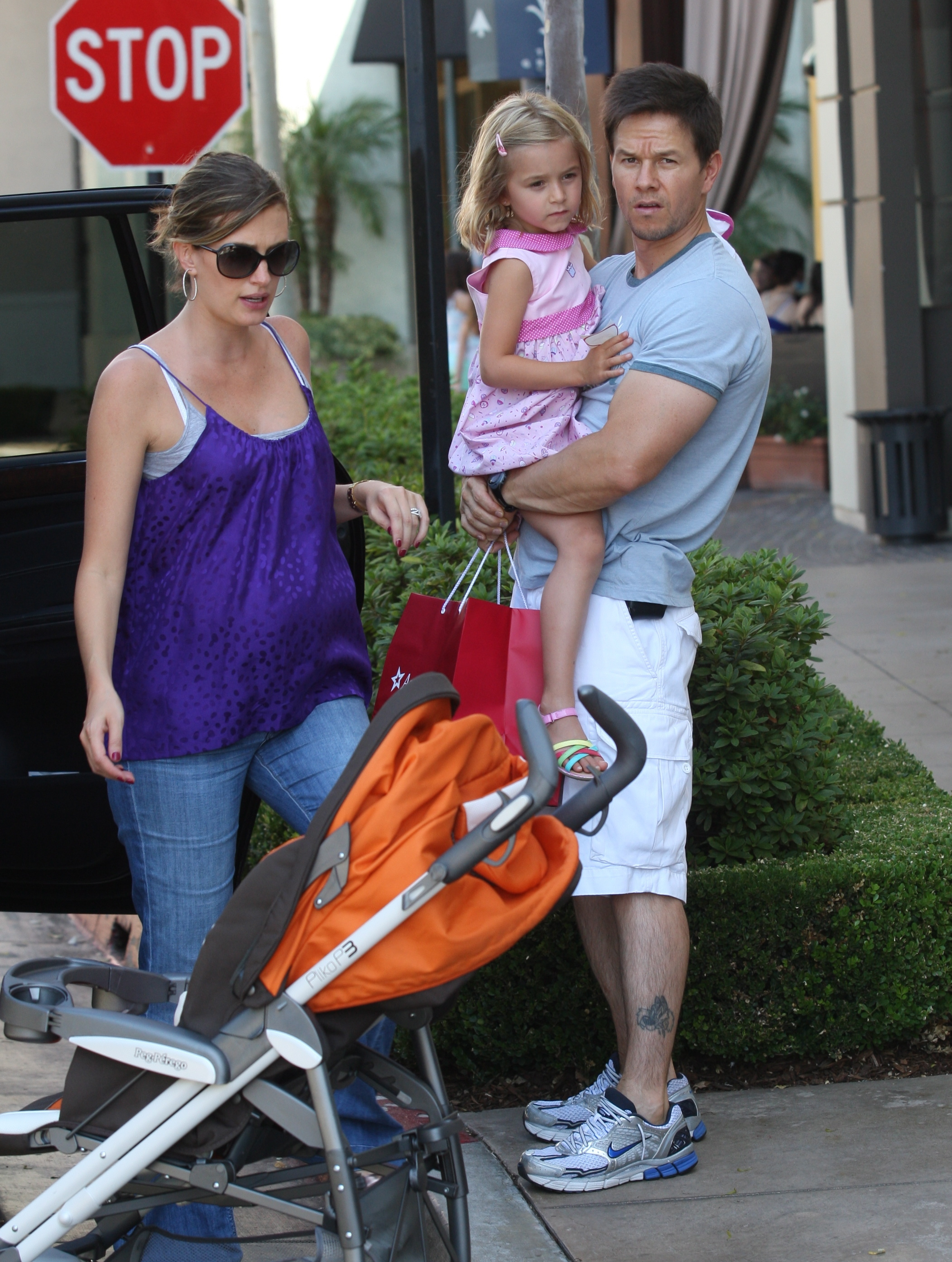 Mark Walberg and Wife Rhea Expecting Baby #4! : Growing ... Mark Wahlberg Wife