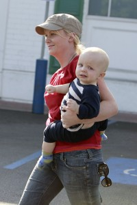 Amy and Archie Stroll in LA