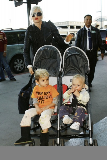 Gwen Stefani with boys Kingston and Zuma Rossdale at the airport