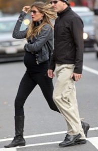 Pregnant Gisele Bundchen Learns to Fly
