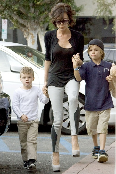 Victoria Beckham out with sons Cruz & Romeo for Frozen Yoghurt