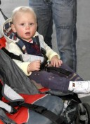 Zuma Rossdale at the airport