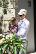 Nicole Kidman and Sunday Rose Visit Family in Australia