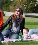 Alyson Hannigan And Family: Venice Beach Play Date
