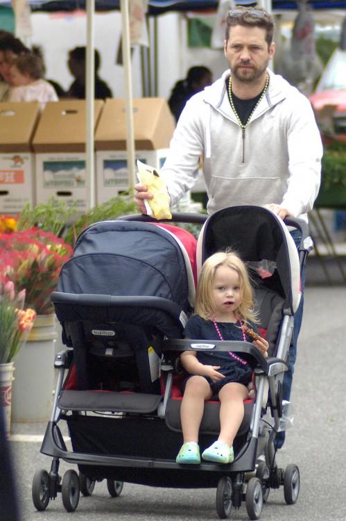 Jason Priestley Enjoys a Market Stroll