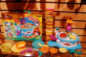 Play-doh Cake Makin Station