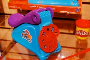 Play-doh Fun Factory Shape Press