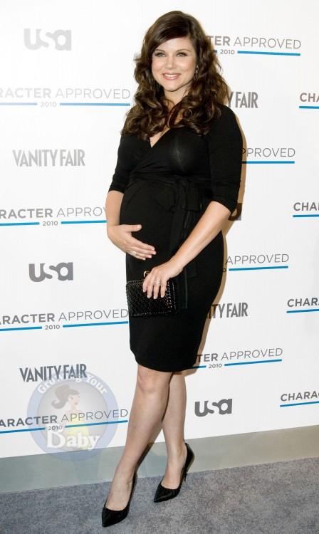 Actress Tiffani Thiessen gone nude - Female Gates