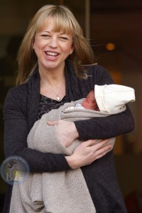 Proud Mama Sara Cox Shows Off 2 Day Old Renee