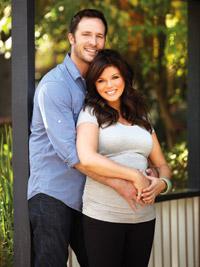 Tiffani Thiessen Covers Pregnancy Magazine