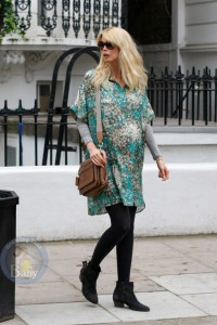 An Expectant Claudia Schiffer in London