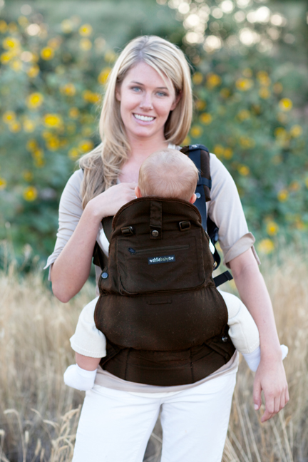 Lillebaby Everywear Organic Carrier - Front Facing in