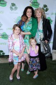 Joely Fisher with her mom and 3 girls, Olivia, True and Skylar