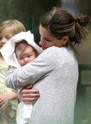 Amanda Peet and daughter Molly