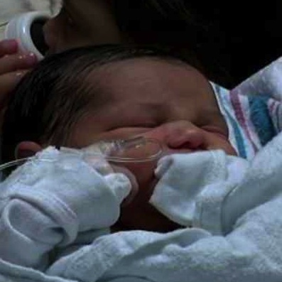 Teen Helps Mom Deliver Baby on her Birthday