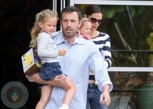 Ben Affleck and Violet Affleck with wife Jennifer Garner and daughter Seraphina