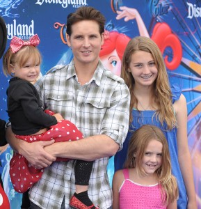 Peter Facinelli with Luca, Lola and Fiona At Disney's World of Color