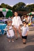 Caroline Zapf with children Lily Zapf and Nicky Zapf