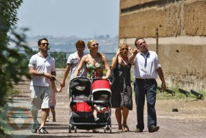 Jason Priestly with Wife Naomi and kids Ava and Dashiell