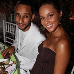 Alicia Keys and Swizz Beatz Attend 11th Annual Art For Life Benefit