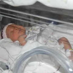 Plane Diverted After Baby Arrives 8 Weeks Early!