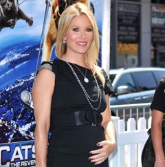 Christina Applegate Debuts Her Bump!