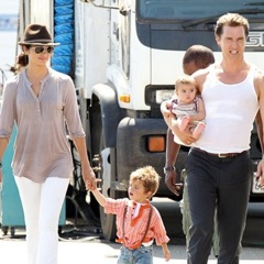 Matthew McConaughey Gets an On-Set Family Visit