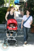 Amy Adams with daughter Aviana Olea Le Gallo pushing the t-linx stroller