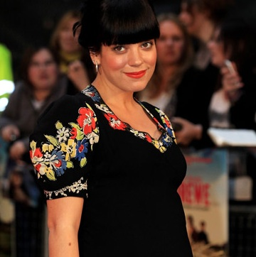 Lily Allen Debuts Baby Bump on the Red Carpet