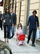 Tom and Katie Cruise stroll with daugther Suri