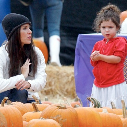 Soleil Moon Frye & Her Family Pick Pumpkins in LA!