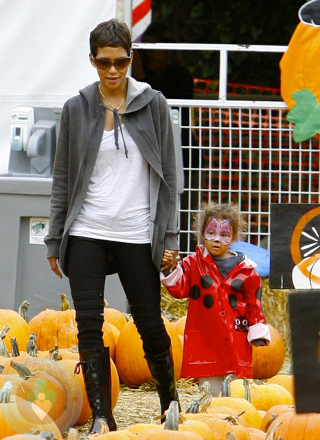 Halle Berry and daughter Nahla Aubry at Mr