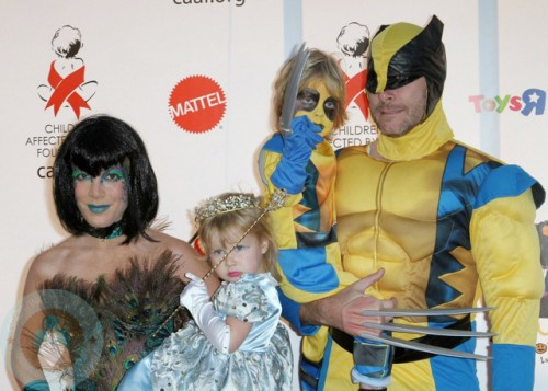 Tori Spelling and Dean McDermott with Liam and Stella
