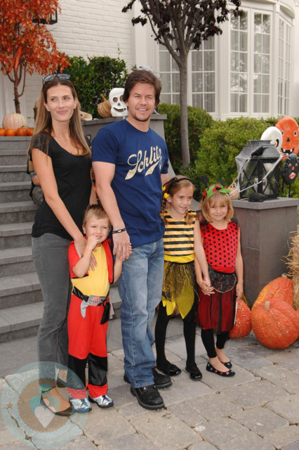 Mark and Rhea Wahlberg with kids Ella and Michael