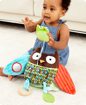 Treetop Hug & Hide Owl Activity Toy