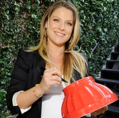 Ali Larter Hosts Event To Benefit Project Peanut Butter